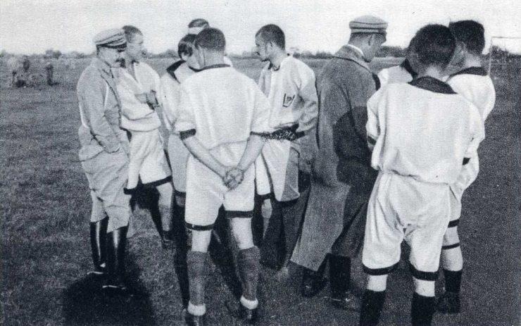 Mecz 1 Pułku Ułanów z 2 Pułkiem Ułanów rozegrany około maja 1916 r. w Czewlu.