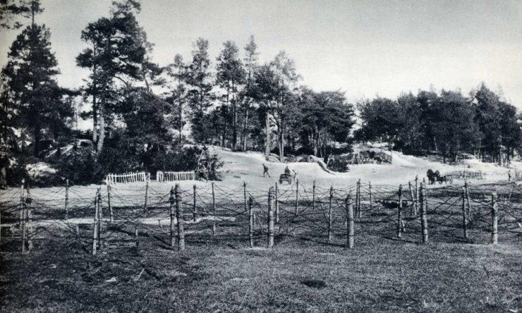 Reduta Piłsudskiego, przed ofensywą rosyjską. Widok od strony pozycji polskich